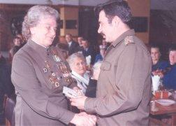 Вручение Капитолине Николаевне памятной медали в 2010 году